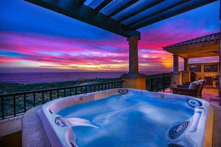 Villa Aspirus -Ocean View Private Pool Montecristo
