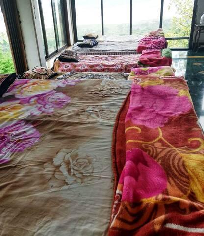 Bed Arrangement