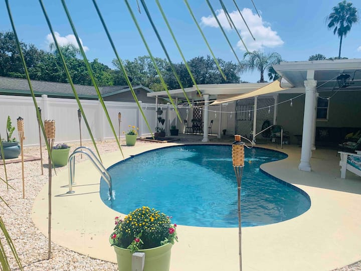 Entire home w/pool by beaches, downtown & airport!