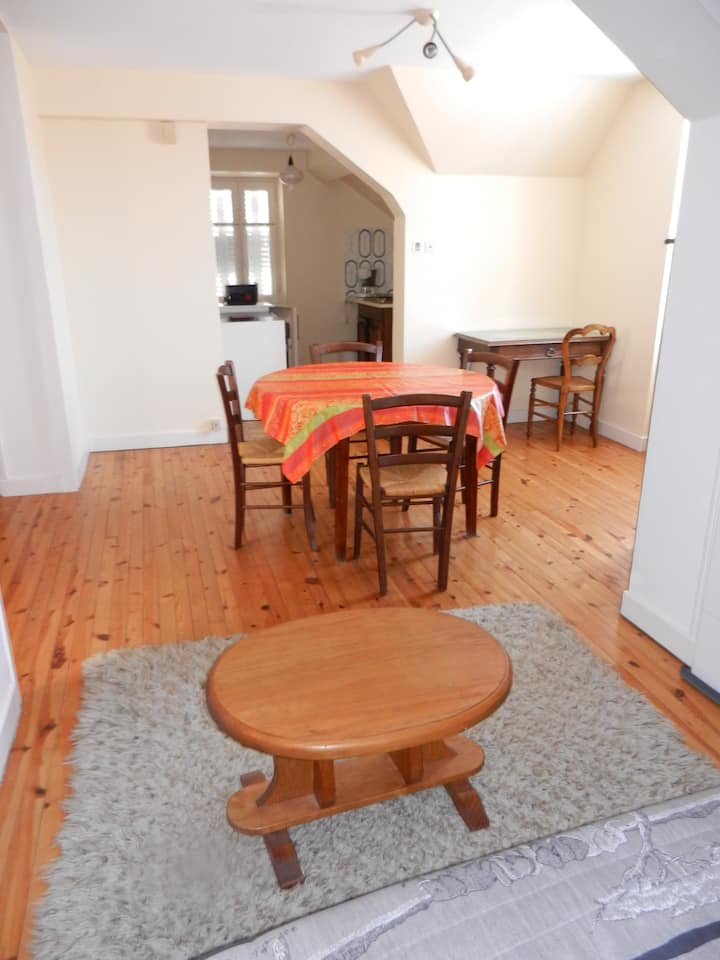 Appartement T2 village 8km de Rodez
