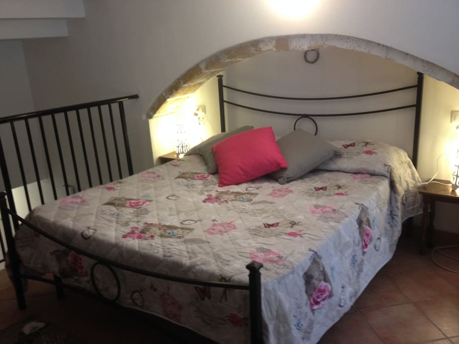 Camera da letto matrimoniale al piano rialzato