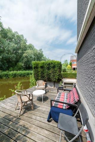 B&B# green oasis with free parking - Amsterdam-Zuidoost - Szoba reggelivel