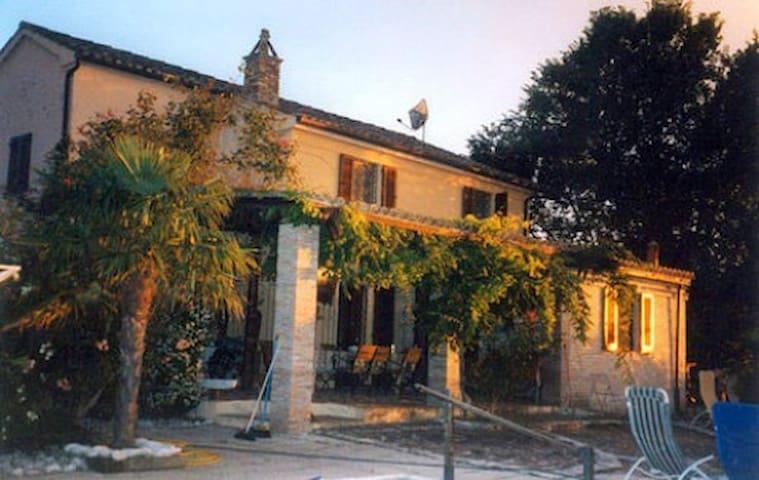 Wunderschöne rustikale Villa - Provincia di Pesaro e Urbino