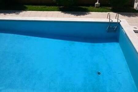 HABITACION EXTERIOR SOLEADA. - Castelldefels