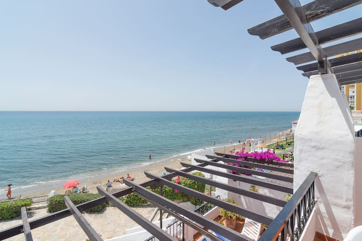 High end - ON BEACH apartment - Sitio de Calahonda - Apartment