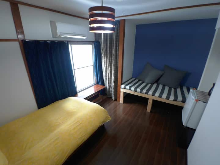 Haneda Homestay. Triple room.