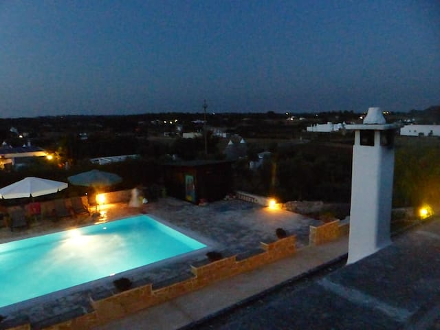 "Alloggio in ""TRULLO"" tipico ! - Martina Franca - Bed & Breakfast"