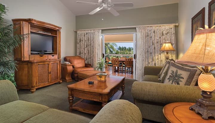 KONA COAST RESORT - HUGE 2 BEDROOM LUXURY SUITE