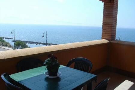 Apartment mit Meerblick, Promenade! - Trappeto/Palermo