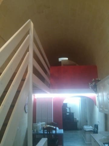 Accogliente e  Appartamento in tufo - Montescaglioso - Daire