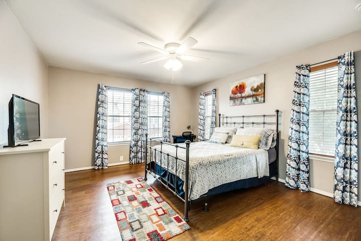 Style and Comfort near AT&T stadium!