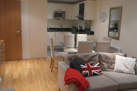 Large private double room & bath