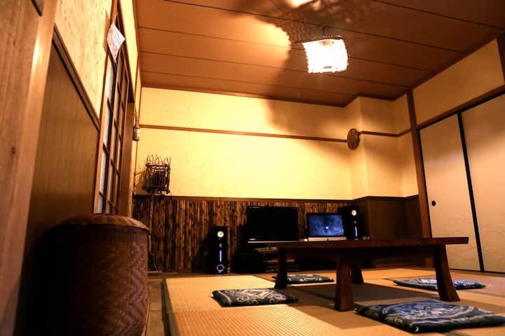 【ぷらっとほーむ】 完全個室! 大曽根駅前のナゴヤドームも近い和の空間です。