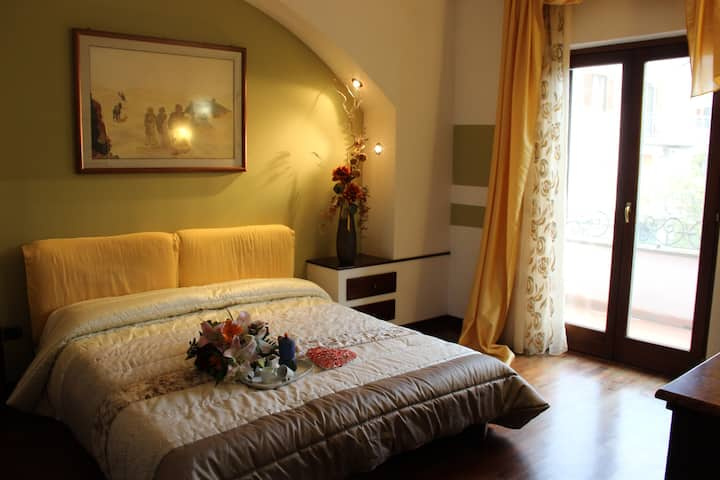 """The yellow room"" in Italian Villa"