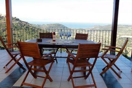 Spectacular villa with  panoramic sea views - Magomadas - Huvila