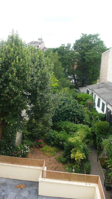 Grand 2 pces dans maison sur jardin maisons de ville for Salon de jardin ile de france