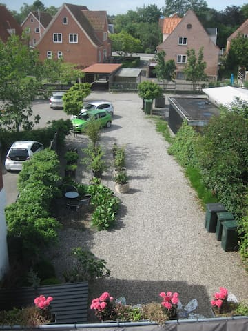 udsigt fra dit vindue, gården - Tønder - Flat
