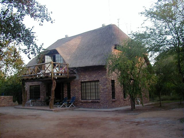 Leadwood Lodge Bush house - Marloth Park - Rumah