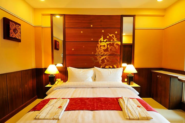 Boutique Rooms Near Bangkok Airport