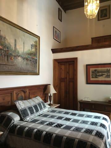 Cómoda y tranquila habitación en Casa Eugenia