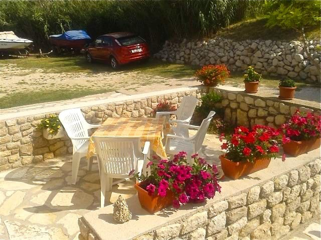 Apartment for 3 to 4 persons - Pag - House