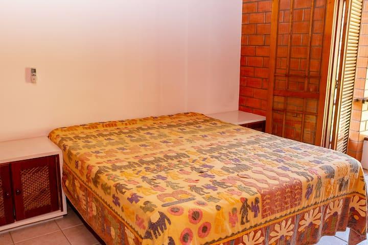 Quarto - cama de casal quenn