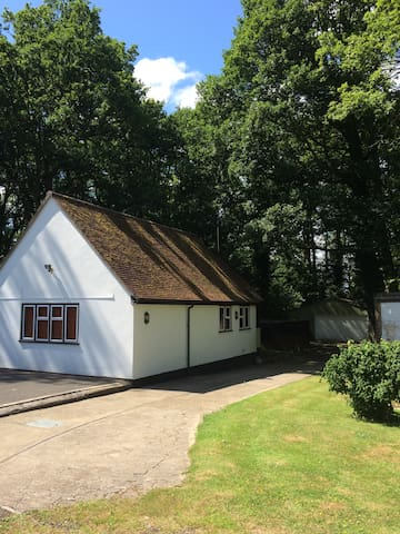Studio cottage in countryside - Horley - Casa