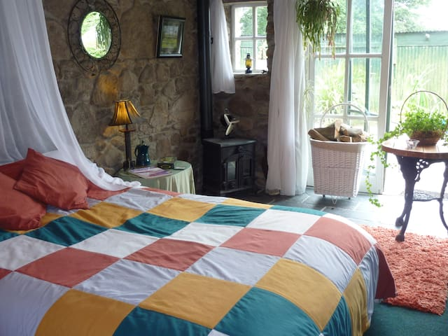 Traditional Irish Country Farmhouse B&B - Inistioge - Bed & Breakfast