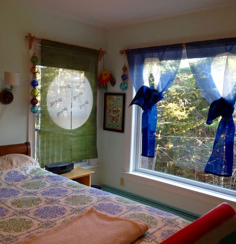 Guest Room in Quiet Healing Retreat - Mount Desert - Casa