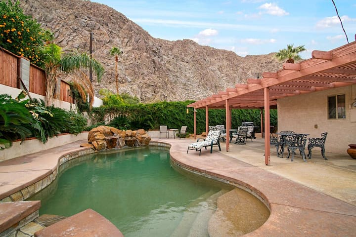Desert ESCAPE ~ 3Bd, Pool, Spa with Views