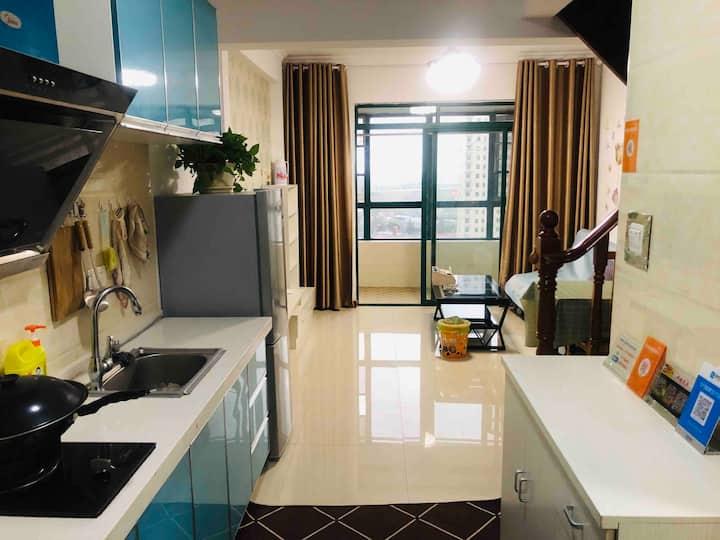 京港澳高速蔡甸站、后官湖温地公园loft公寓两室一厅一厨一卫