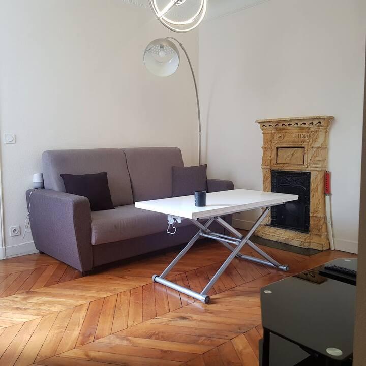 Appartement 40 m2 à deux pas des CHAMPS ELYSEES