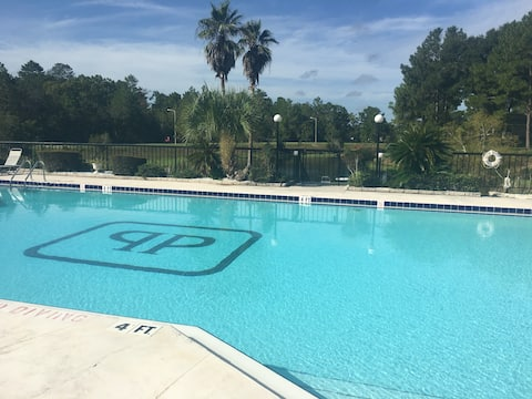 Weeki Wachee 2 bedroom, 2 bath one story villa!
