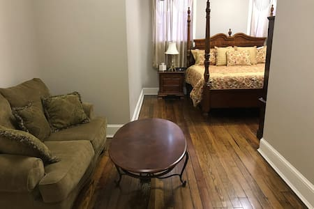 Wentworth Hotel Room 5