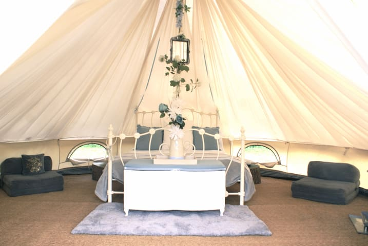 Luxury Glamping - Alice Bell Tent - Oxford - Tent