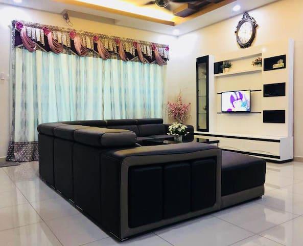 Bukit Banyan Homestay Sg Petani 4 Bedroom FreeWifi