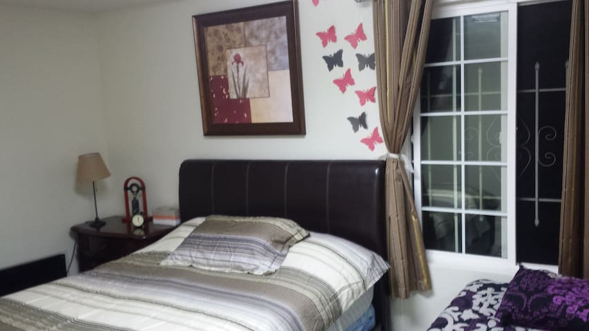 Homey independent room, Private Bathroom/Entry - Milpitas - House
