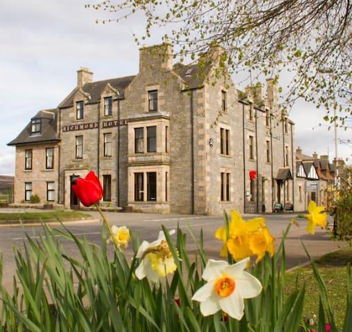 Richmond Arms, Scottish Historical Grandeur