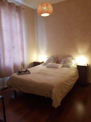 Chambre privée, quai de Bordeaux