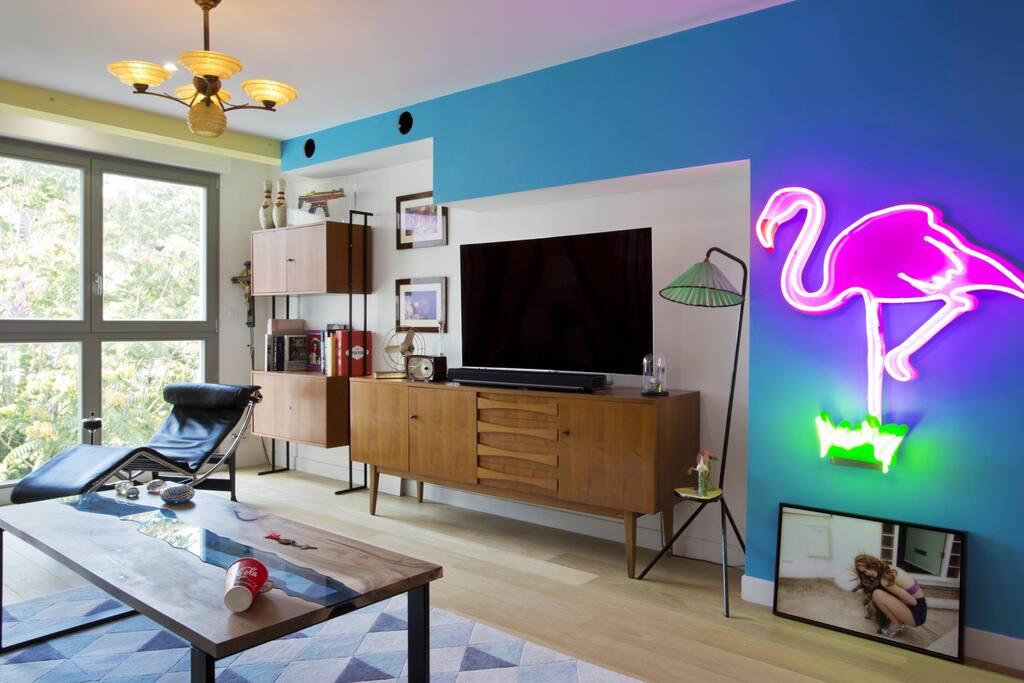 Tour eiffel jacuzzi appartement d 39 exception chambres d - Salon grand voyageur gare montparnasse ...