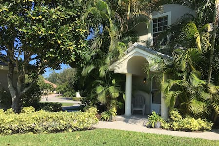 Guest House with Private Entrance - West Palm Beach - Casa