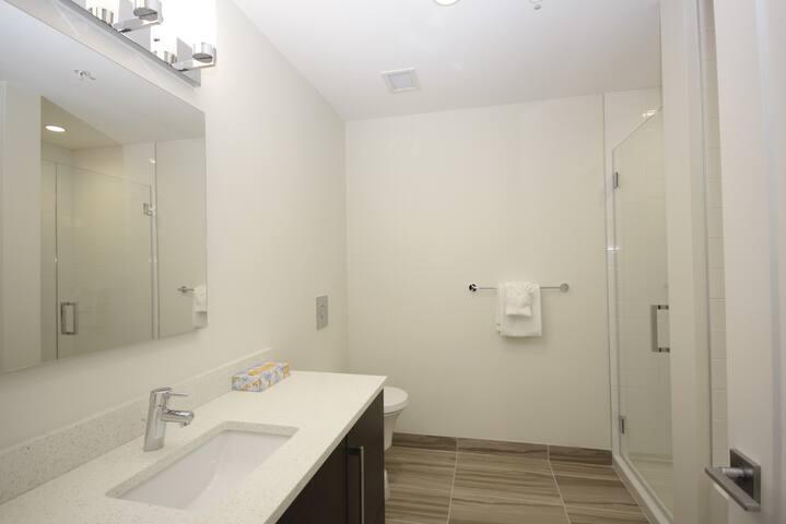 Maple Suite 2101
