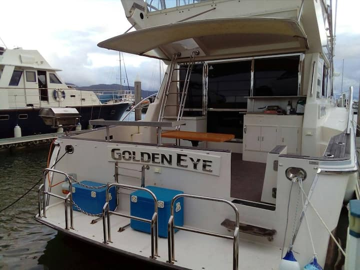 Luxury Yacht Cairns Marina - GOLDEN EYE