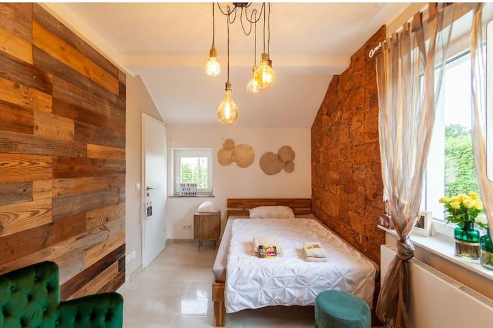 Stylisches Vintage-Zimmer mit schönem Privatbad