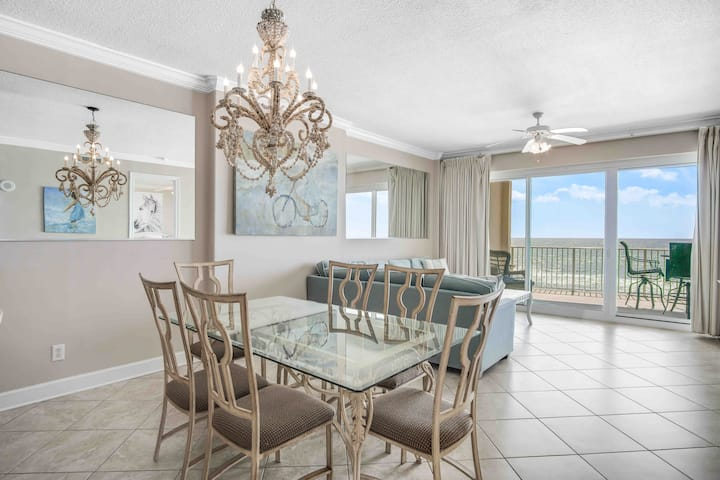 Regency Isle, Huge Balcony with Ocean View 2 BR