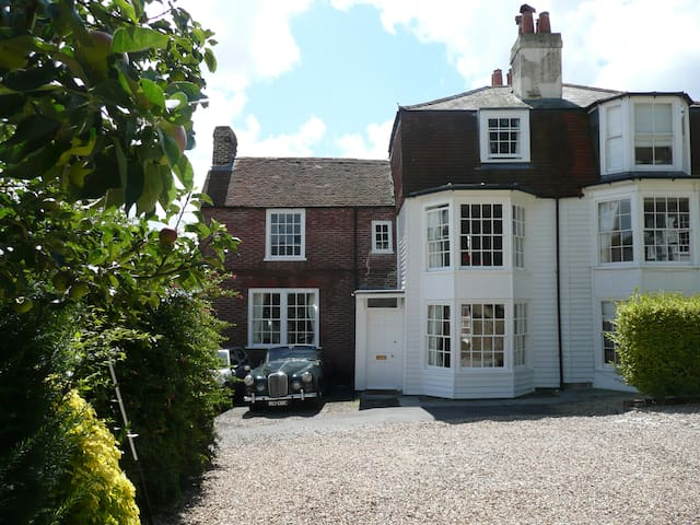 Triple Room, Oak Cottage, Castle Road, Cowes - Cowes - Bed & Breakfast