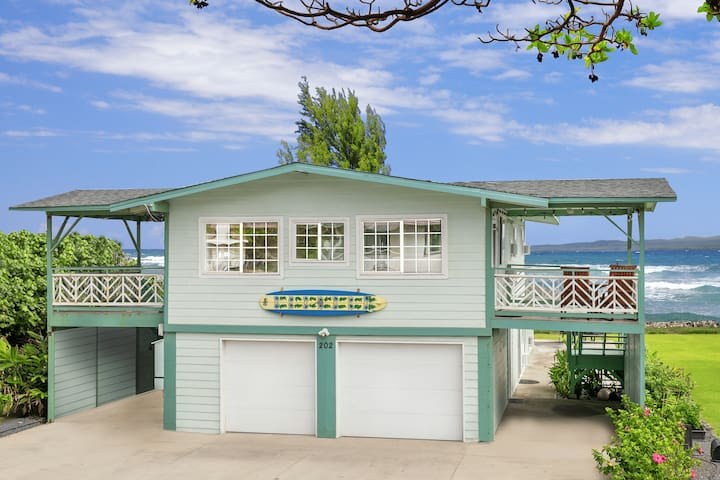 New List Special - Direct Oceanfront Beach House! - Wailuku