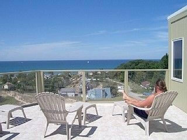 Thistledune - A Contemporary Beach Home