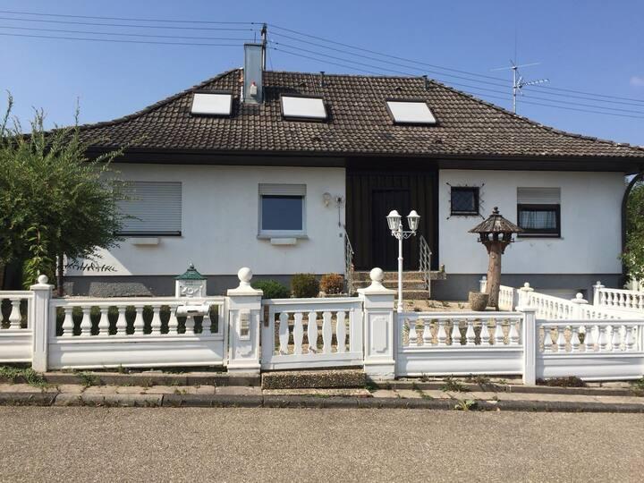 Schönes Haus am Schwarzwald mit Sauna & Fitness