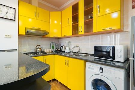 Квартира у приморскова парка - Batumi - Appartement